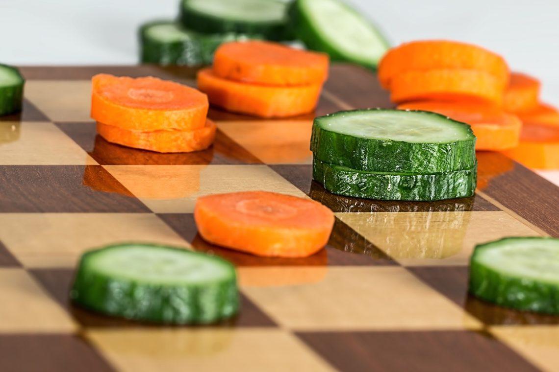 огурец и морковка