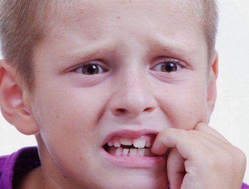 Что делать если ребенок грызет ногти