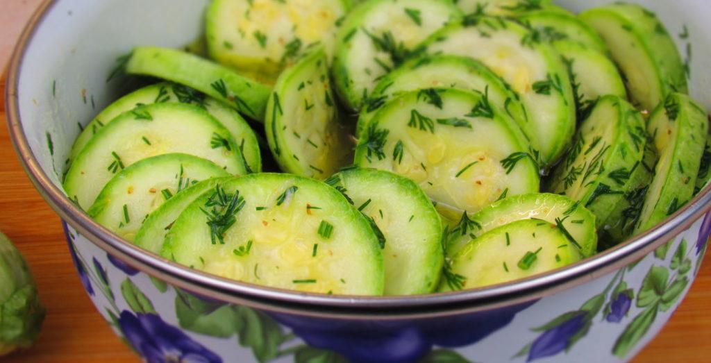 салат из кабачков с укропом