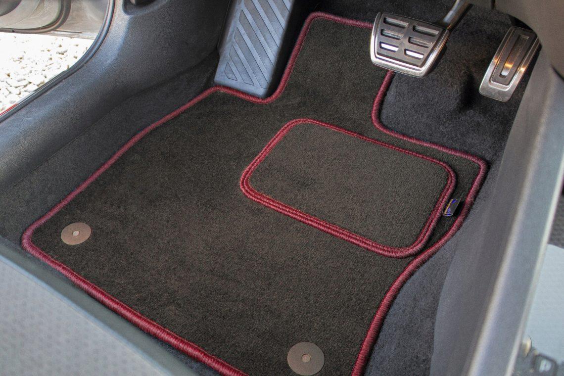коврики для автомобиля